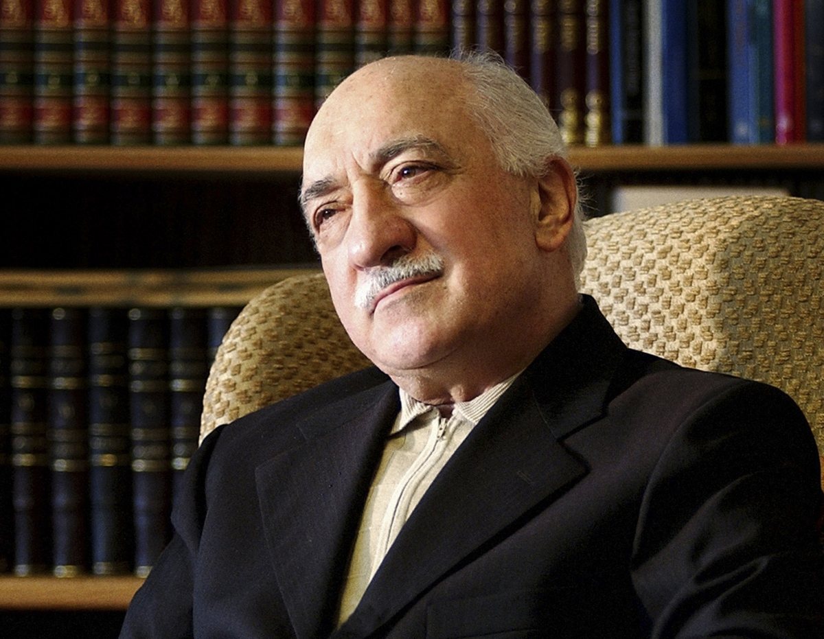 saylorsburg muslim Fethullah gülen at his residence in saylorsburg residents agree that the hospitality gülen offers is a defining feature of hizmet's presence in the town.