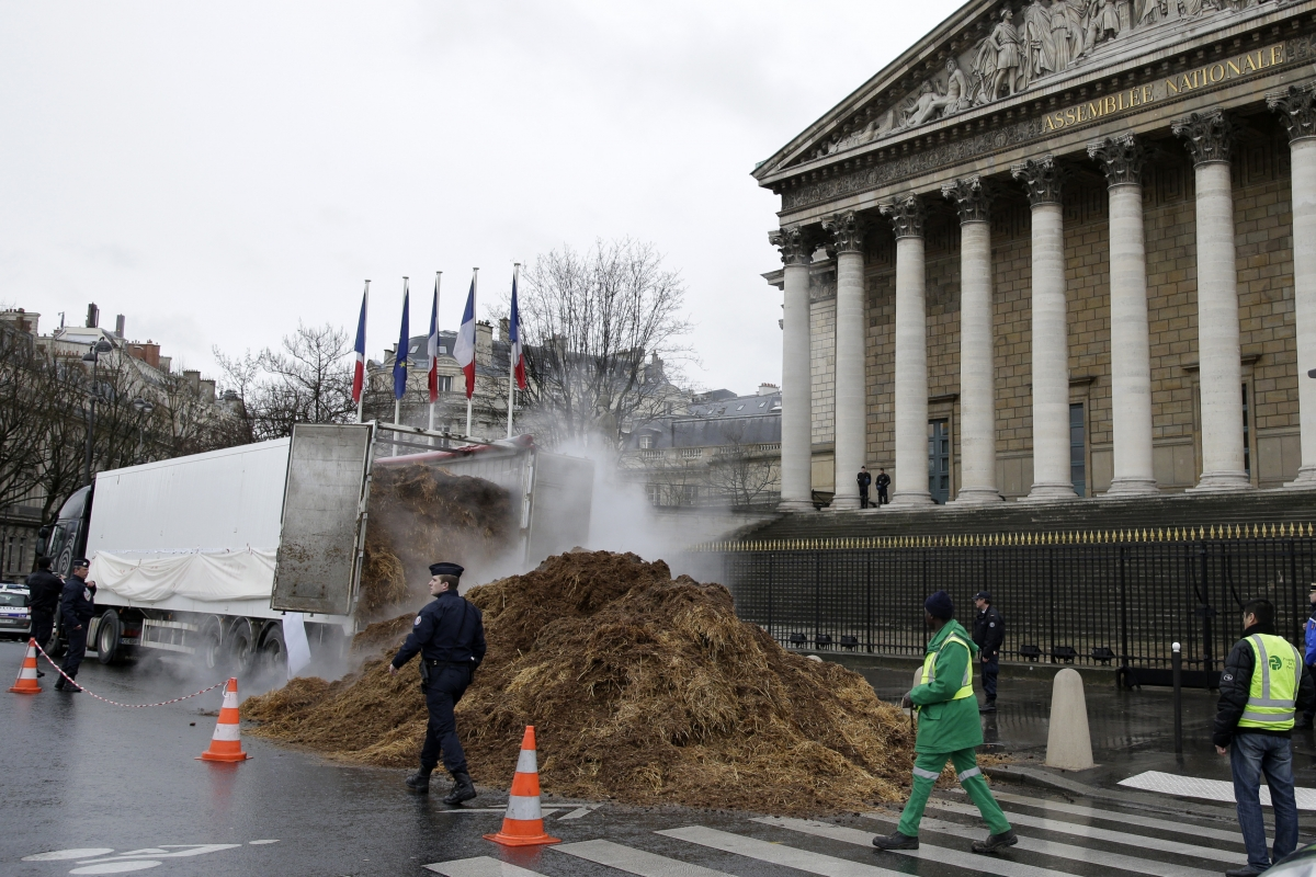 Paris Manure Hollande