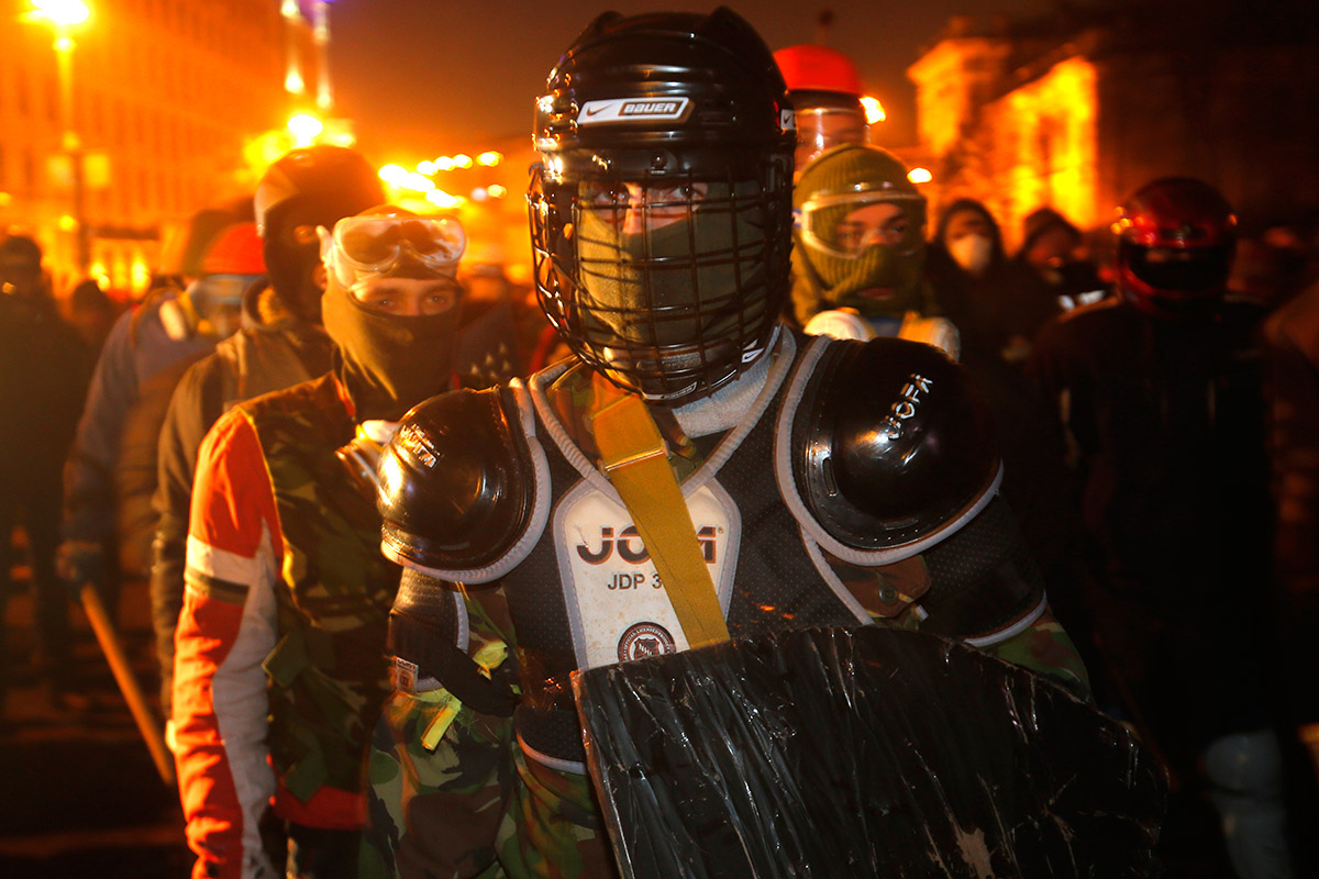 Ukraine Protests  25 of the Most Powerful Pictures from KievUkraine Revolution Fire