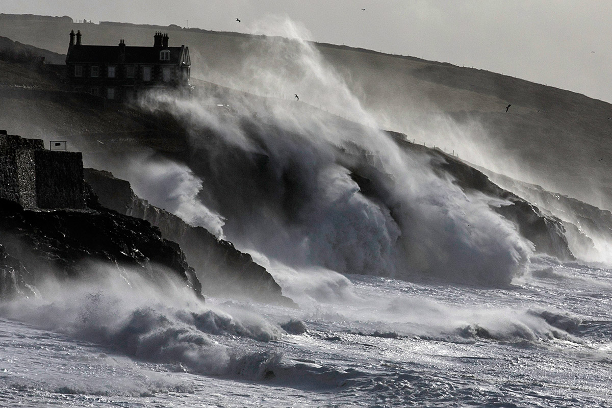 storms cornwall