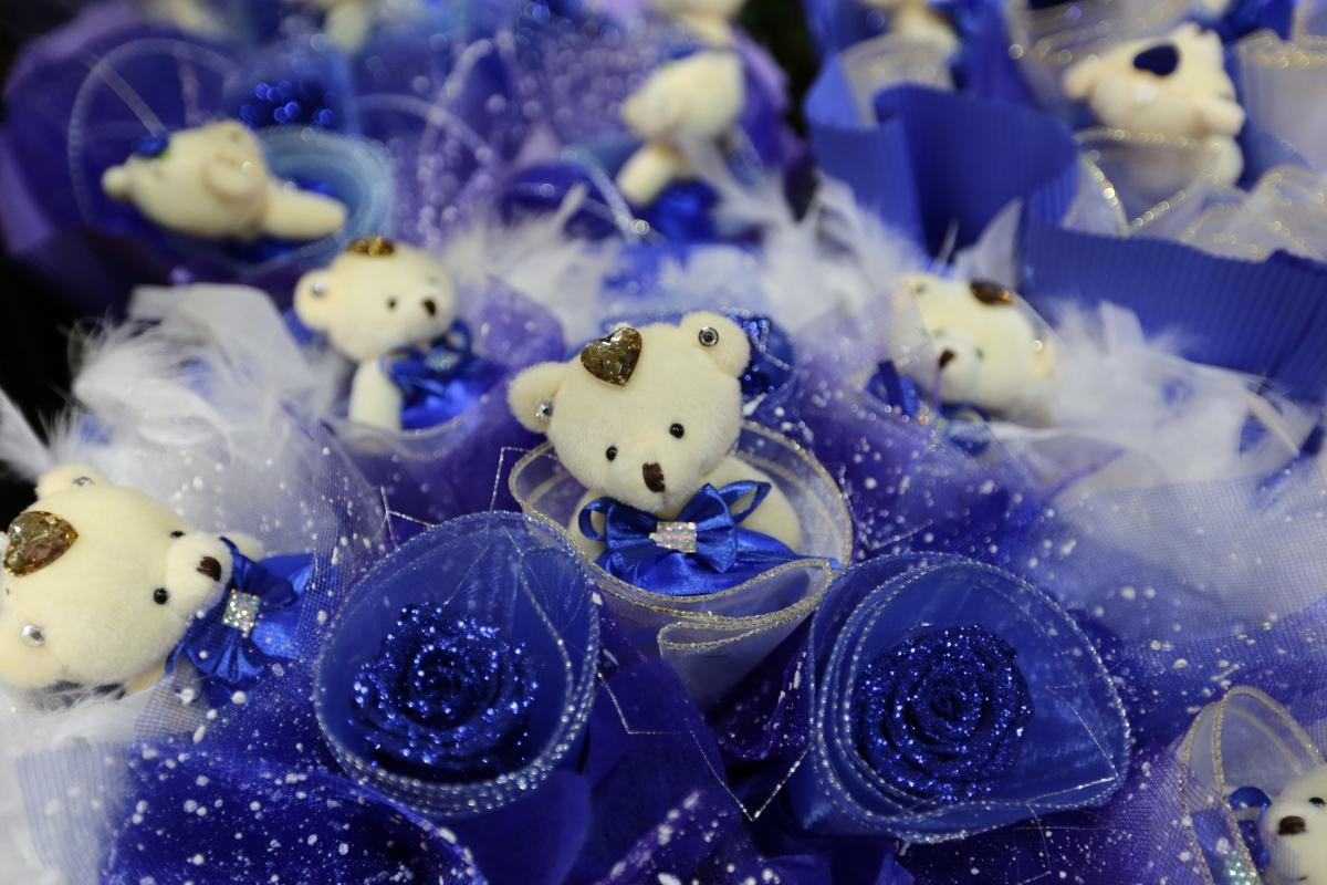 Valentines Day Around The World PHOTOS