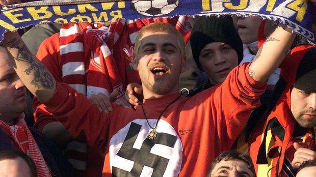 Бугарија .... кон Македонија, од осамостојувањето до денес Racist-fan