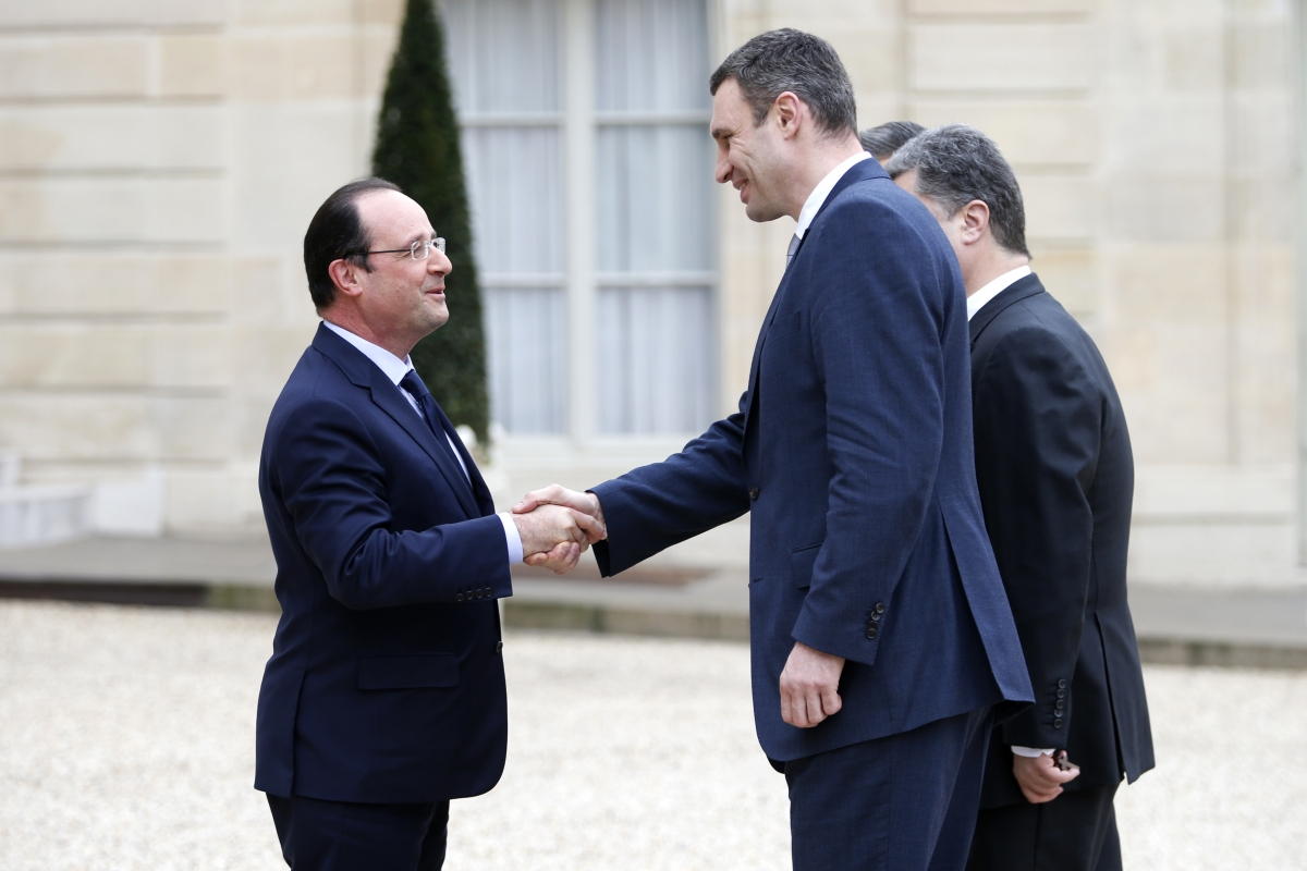 France's president Francois Hollande meets Ukraine opposition leader Vitaly Klitschko