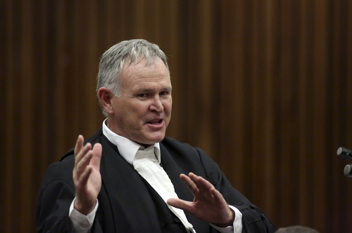 "Barry Roux said Darren Fresco had ""engineered evidence"" at the murder trial of Oscar Pistorius"