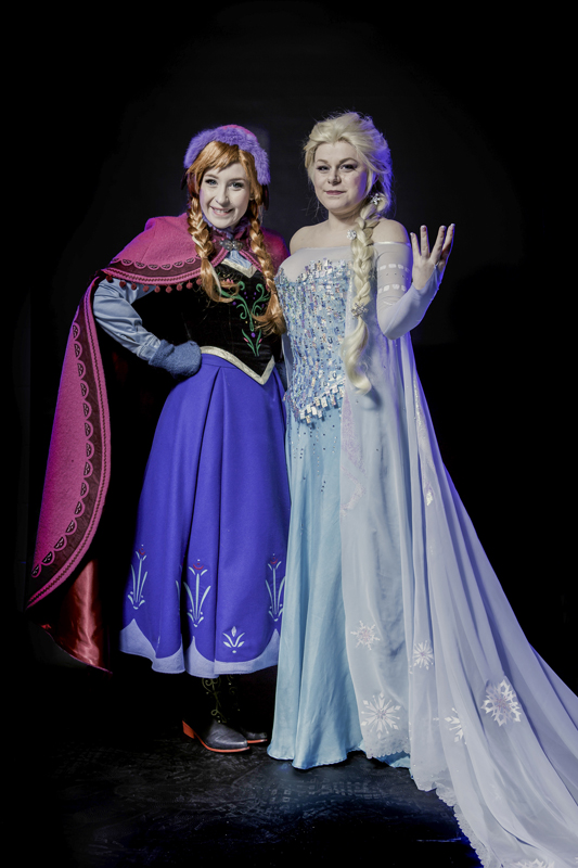 Nikita and Annshella as Anna and Elsa from Frozen