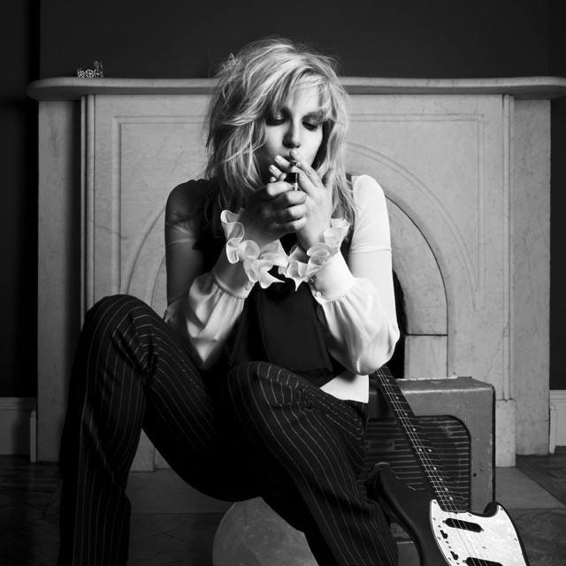 Courtney Love 39 s strange acts and quotes invited sharp criticisms for