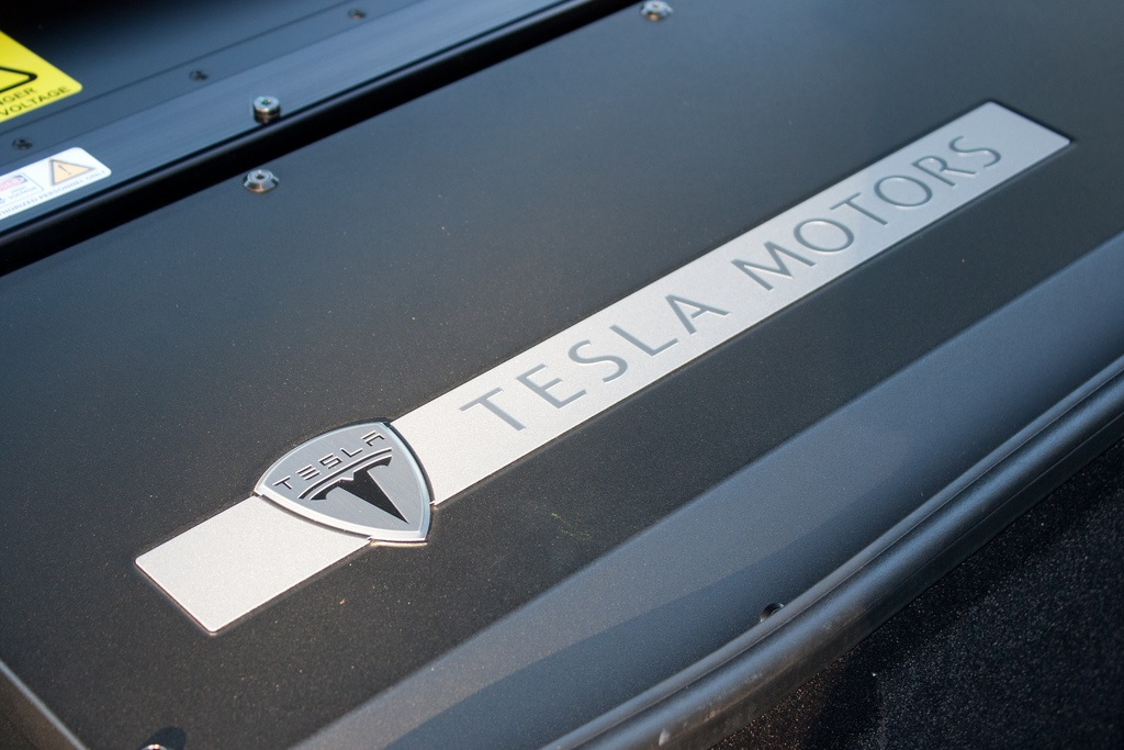 Tesla to Create World's Largest Lithium-ion Battery Factory