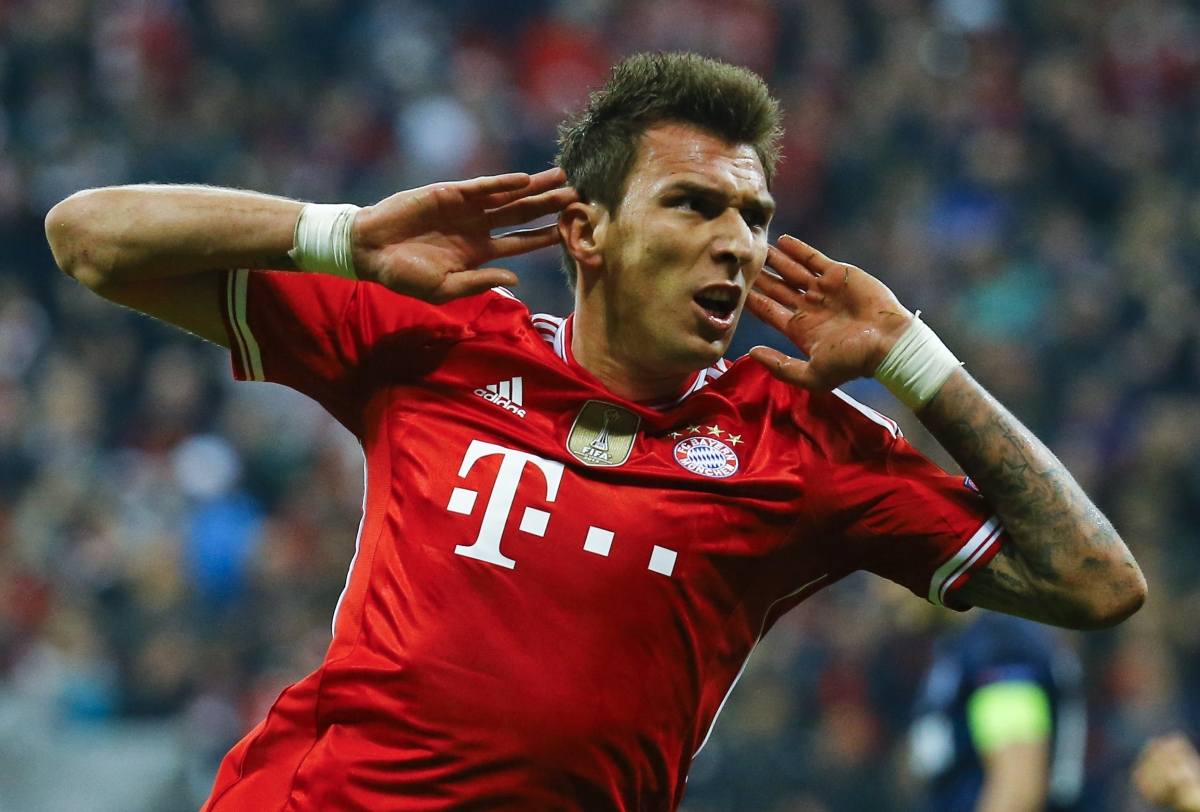 Bayern Munich Warn Arsenal and Chelsea Mario Mandzukic Won't be Sold