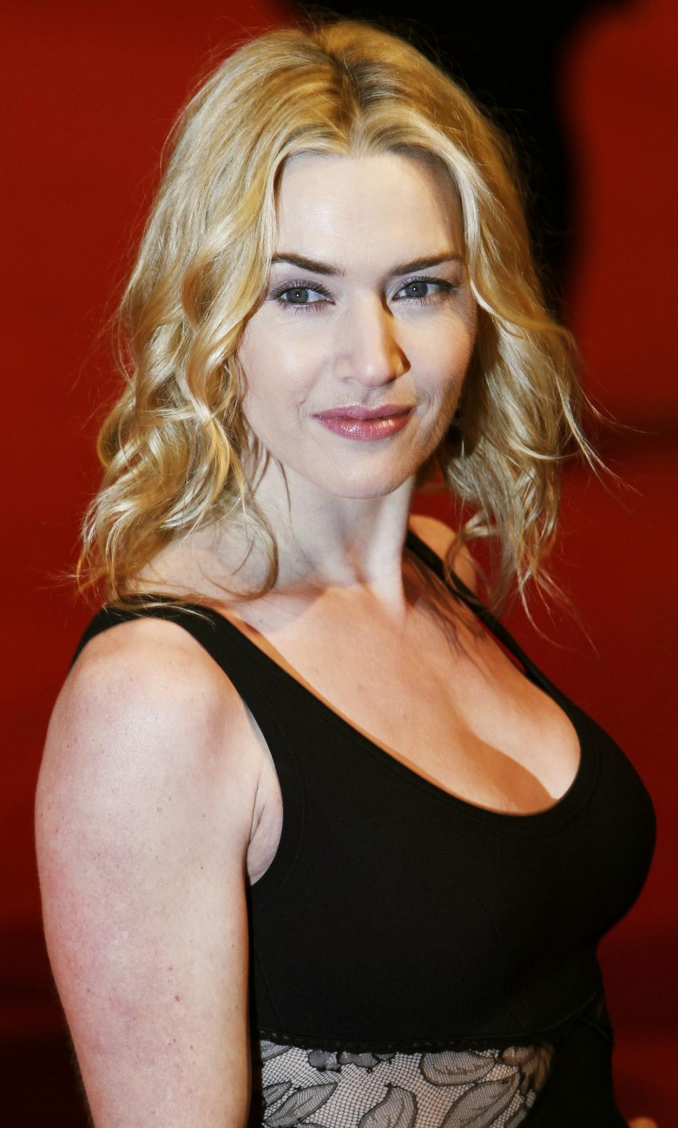 Kate Winslet Rescues Richard Branson U0026 39 S Mother From His