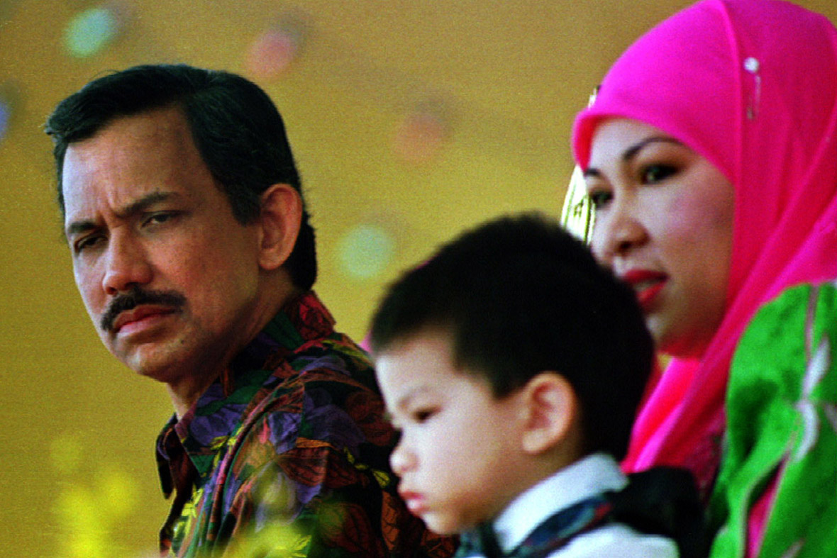 The Sultan of Brunei: The Opulent World of Hassanal ...