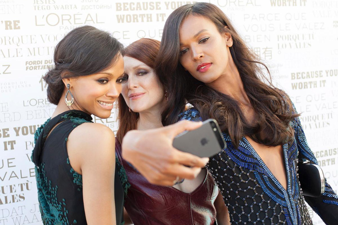 Cannes selfies celebrities taking pictures of themselves on the red