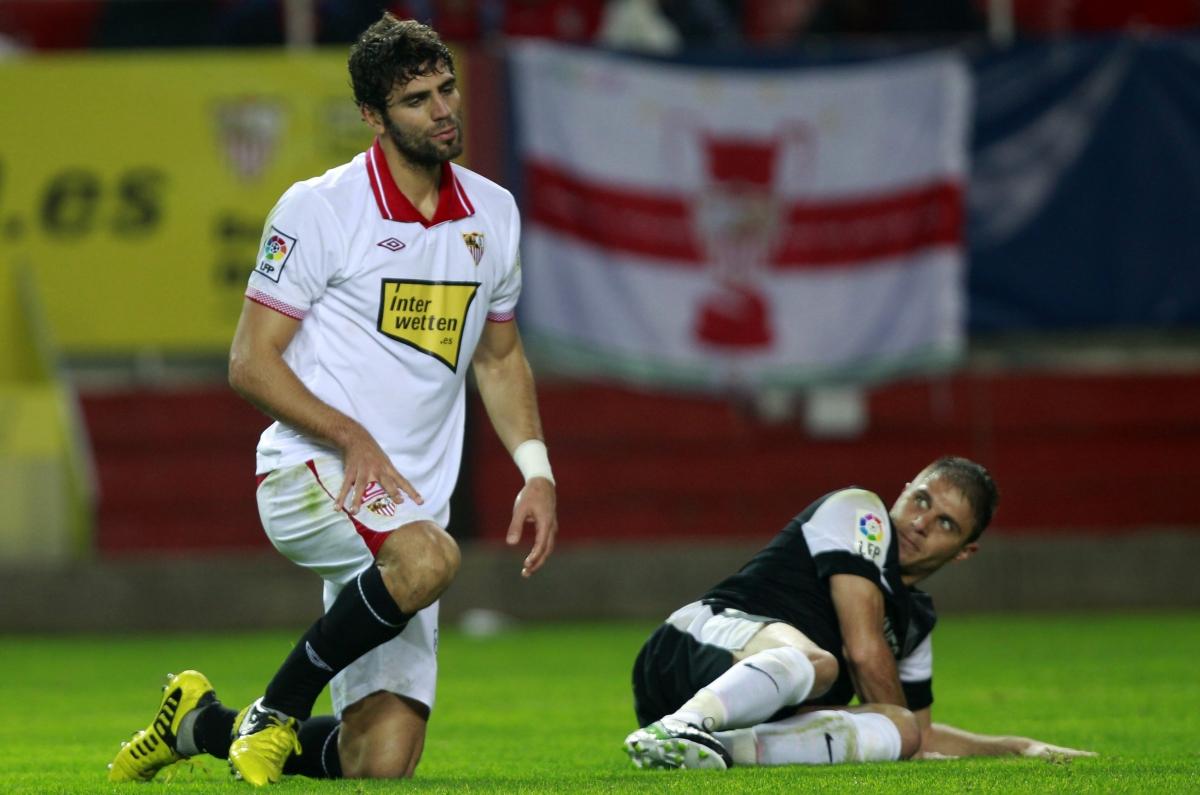 Sevilla ban tottenham defender federico fazio from for Ban ban sevilla