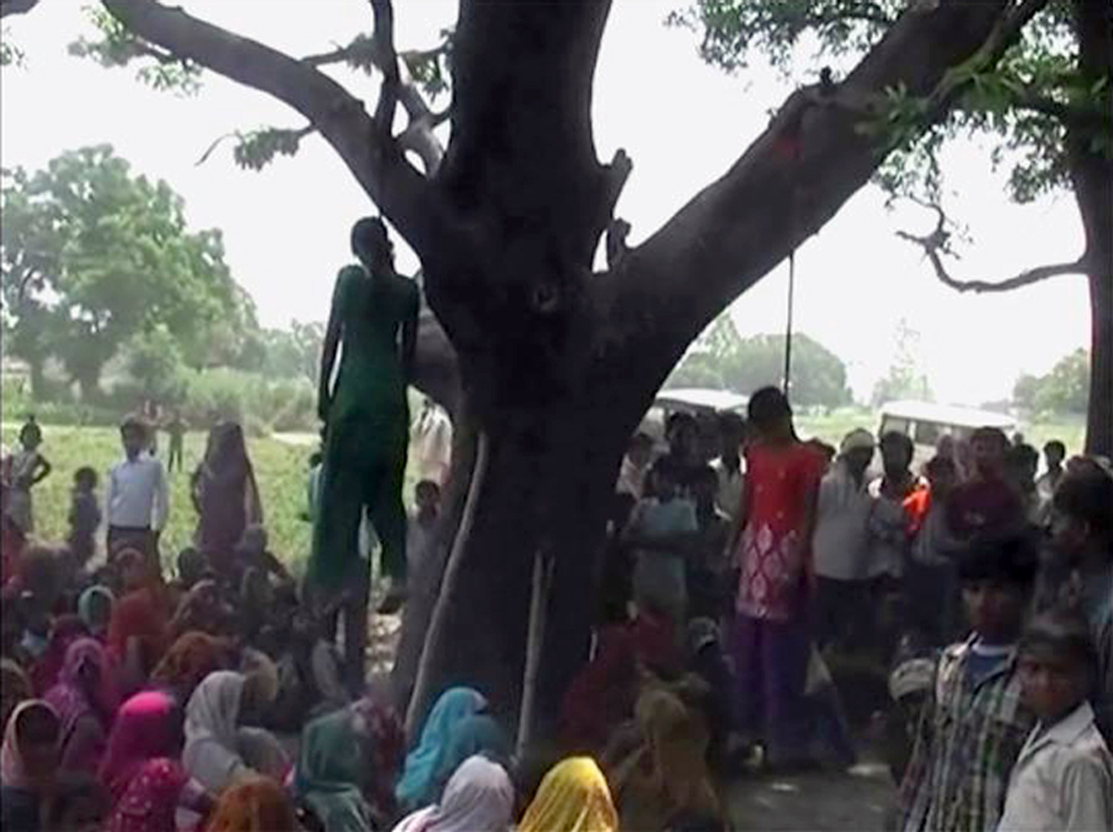 India Dalit Girls Gang-Rape Graphic Photo Murder Cousins Hung Mango Treee