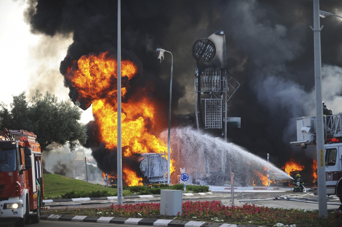 Israel Palestine Gaza Hamas rockets Tel Aviv Lebanon