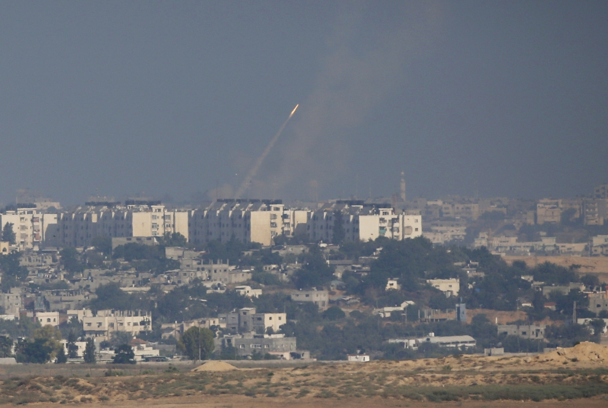 Israeli Air Strikes continue to Pummel Gaza for Fourth Day