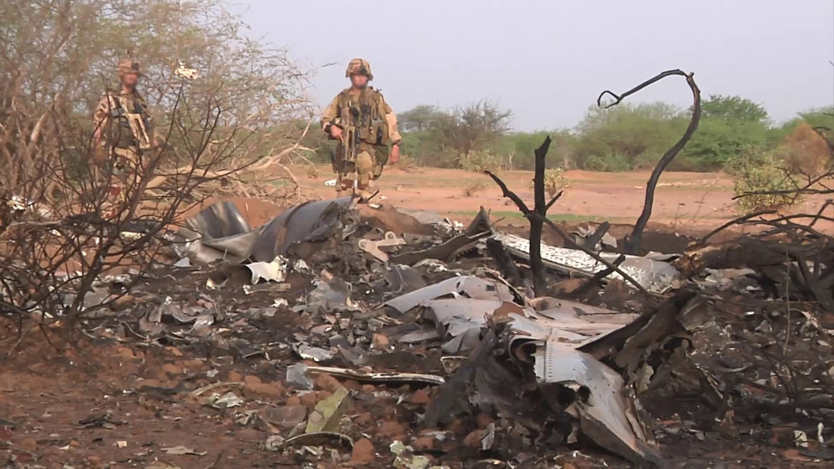Air Algerie Flight AH5017: Footage Reveals Aftermath of Plane Crash