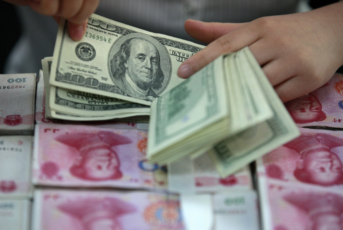 Dollar and yuan notes