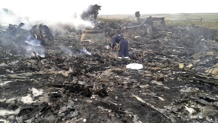 Fighting Prevents Monitors from Visiting MH17 Crash Site
