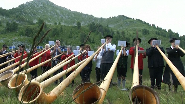 Thousands Gather in Switzerland for World's Largest Alphorn Festival