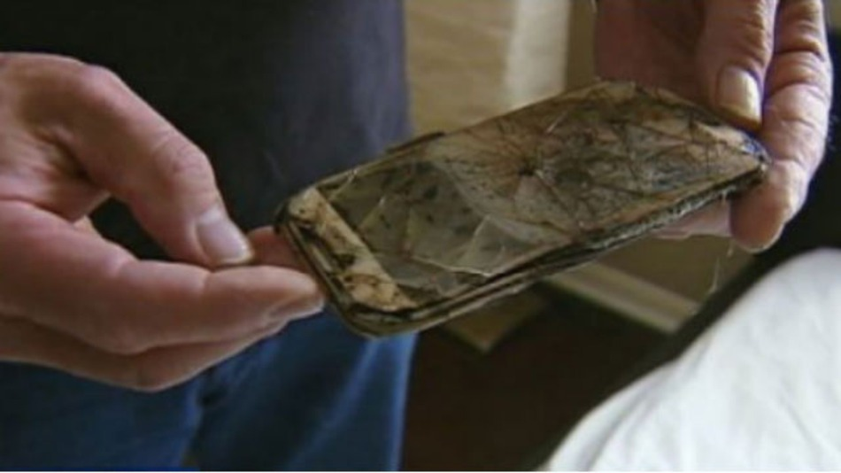 Samsung Galaxy S4 Caught Fire and Melted