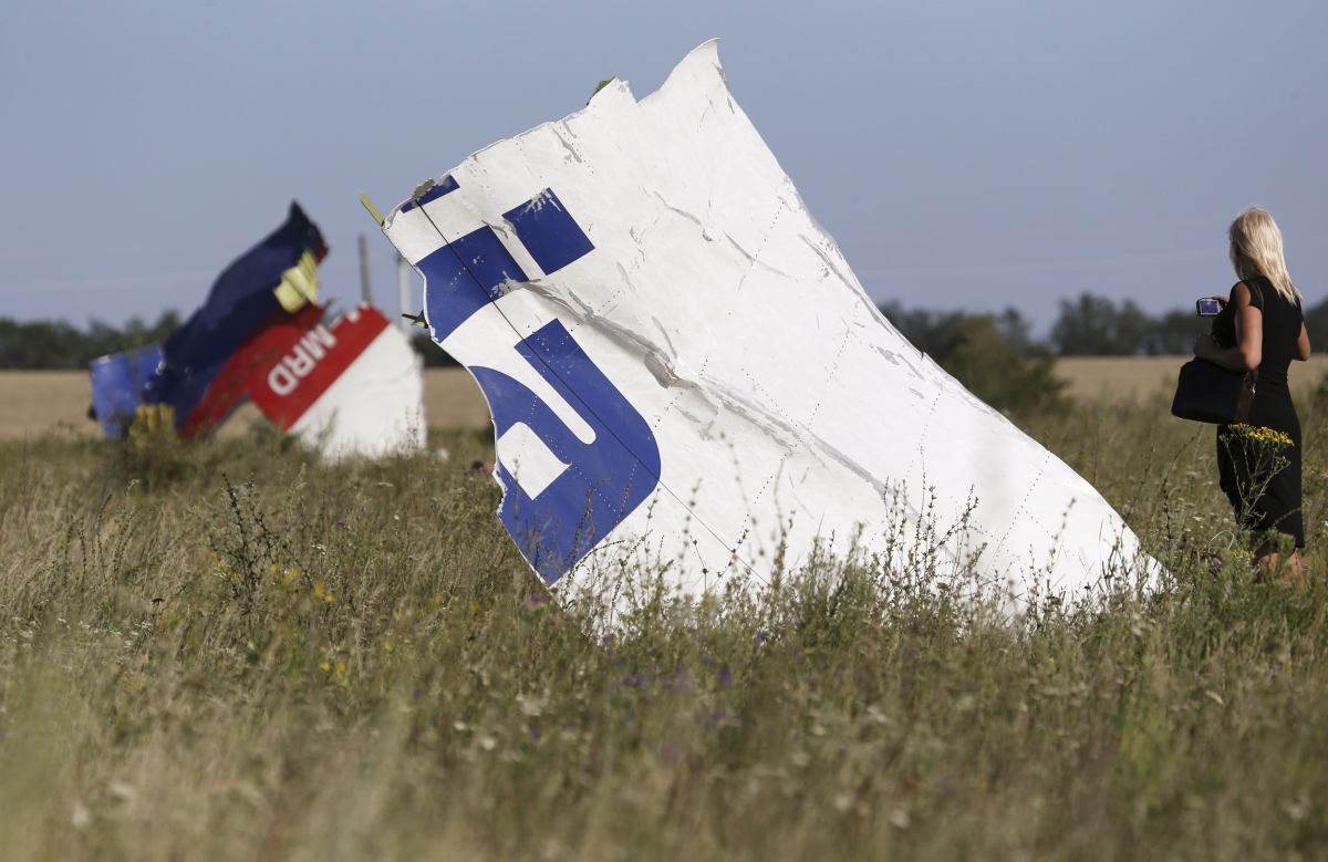 Around Eighty Bodies still Remain on MH17 Crash Site