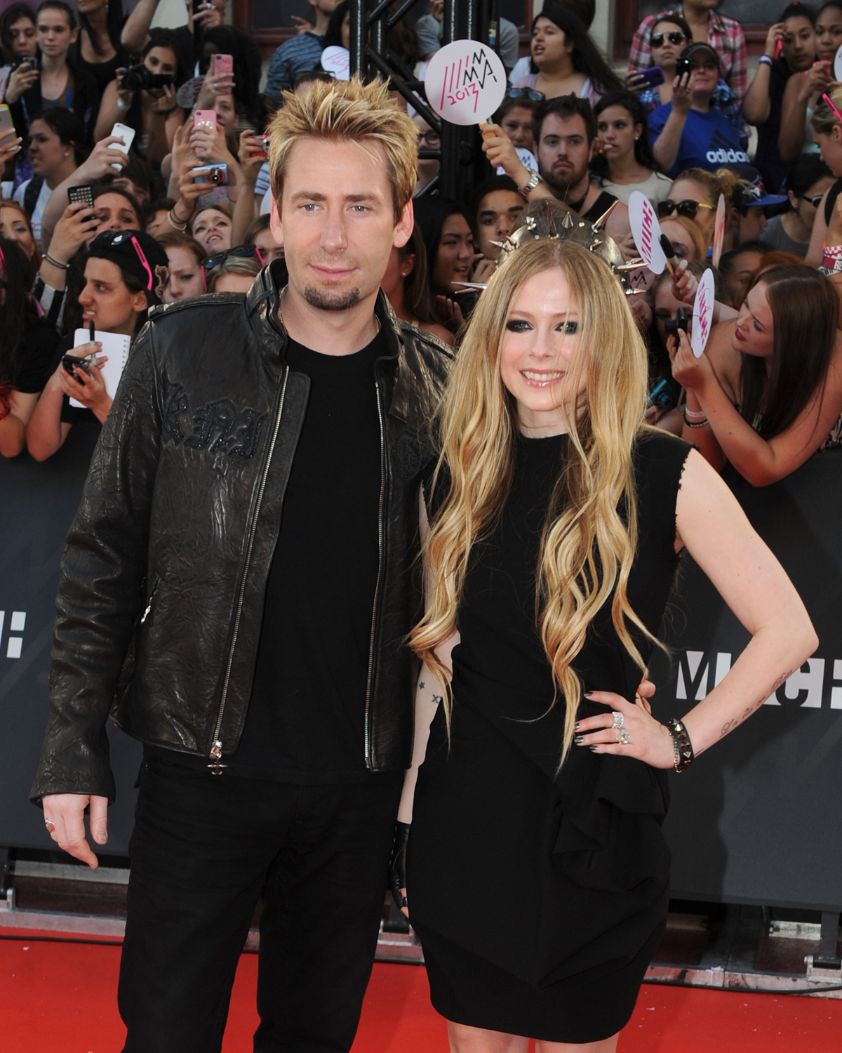 Avril Lavigne Chad Kroeger Marriage Anniversary: Nickelback Frontman  Surprises Canadian Singer With 17carat Diamond Ring