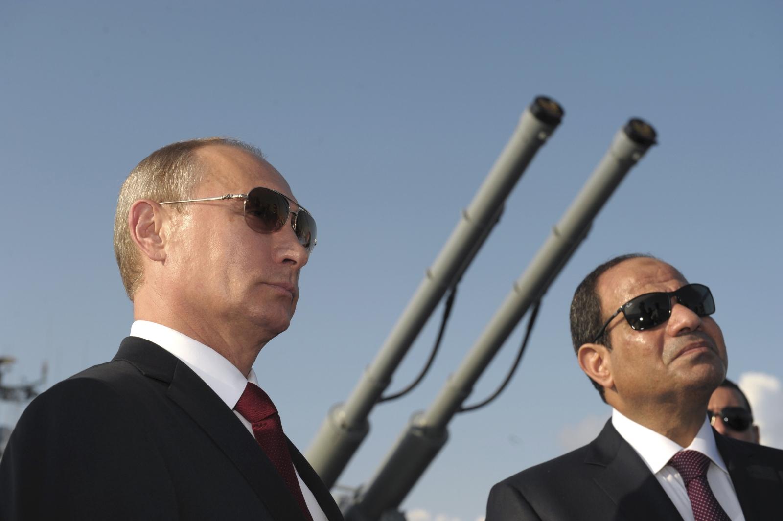 تحليل امريكي : روسيا تشق لنفسها طريقاً في شمال أفريقيا Putin-sisi