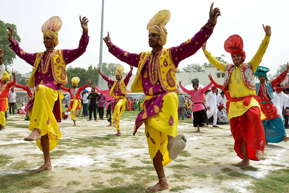 essay independence day india school children