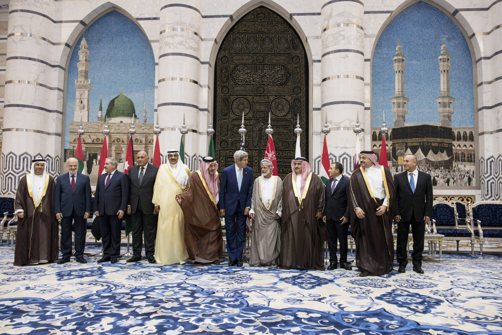 Isis: Ten Arab Nations Join US-Led Coalition against Islamic State