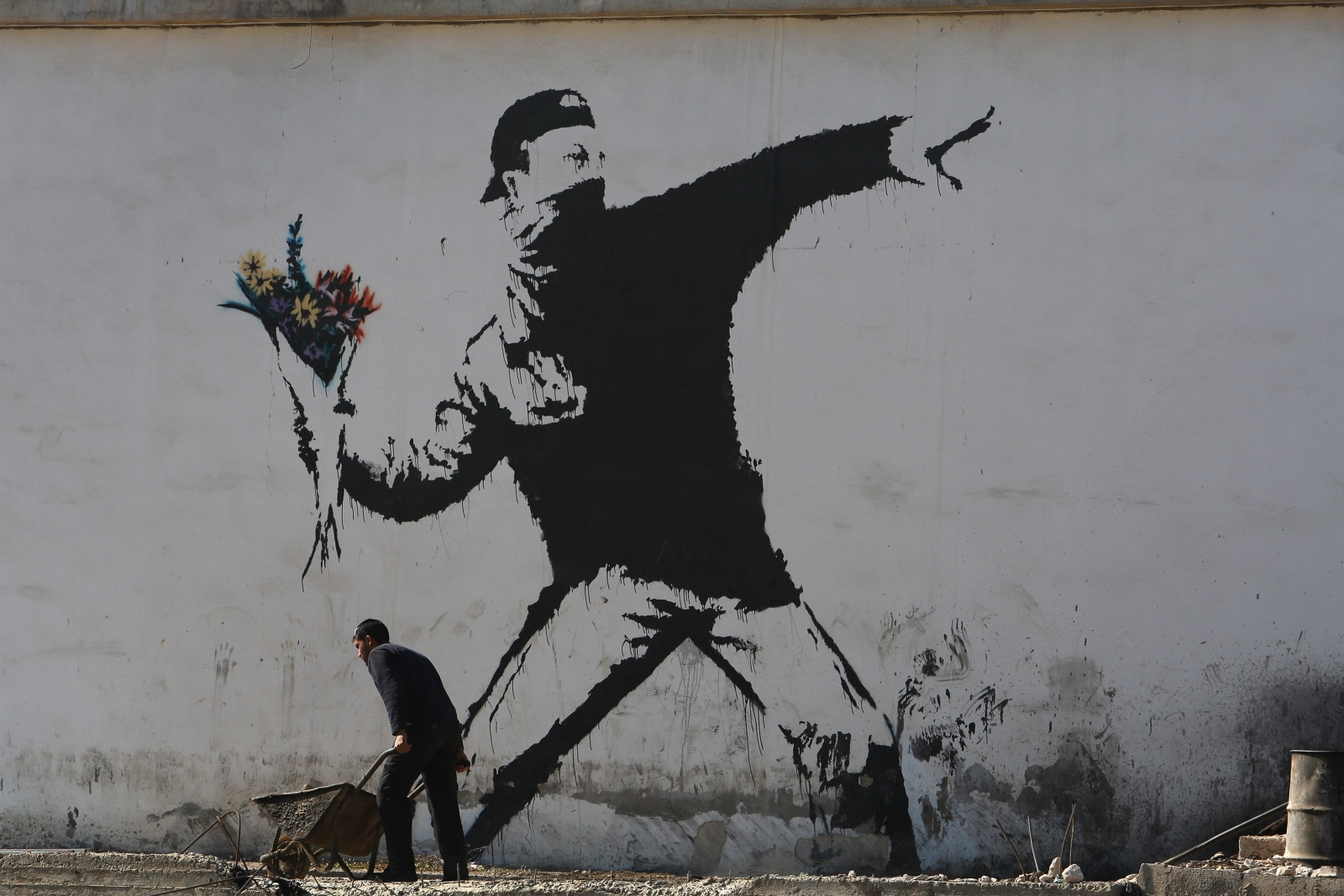 hoax 39 banksy arrested in london 39 story dupes the internet. Black Bedroom Furniture Sets. Home Design Ideas