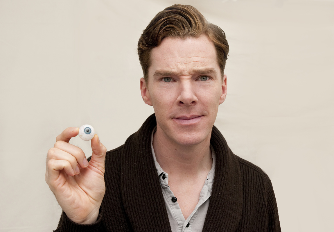 Benedict Cumberbatch poses with an eyeball similar to his own eye ...