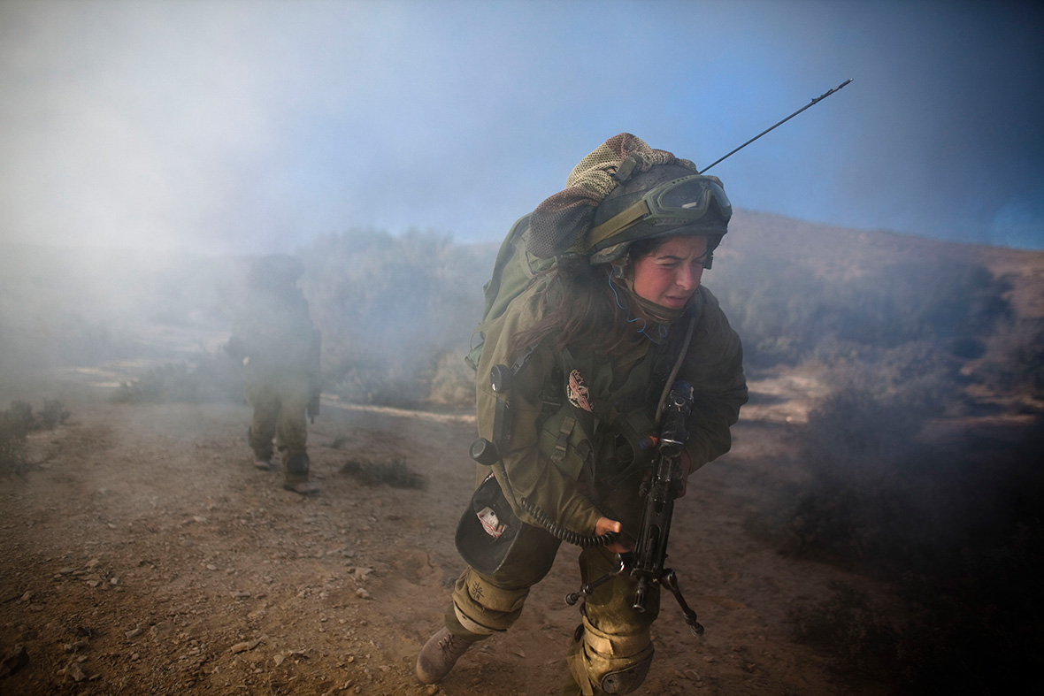 كتيبه كراكال الاسرائيليه .....Caracal Battalion  Israel-mostly-female-caracal-battalion
