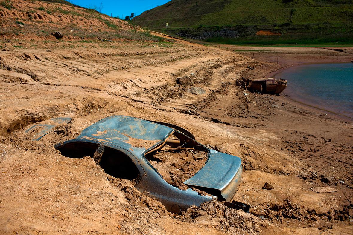 http://d.ibtimes.co.uk/en/full/1406633/sao-paulo-drought.jpg