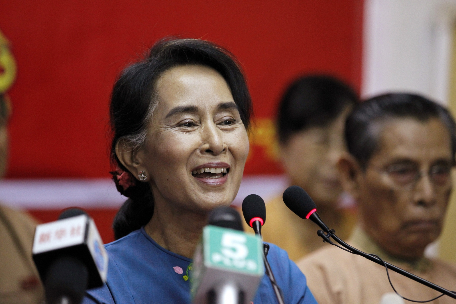 Why Singapore is more attractive to overseas doctors than Aung san suu kyi sons photos