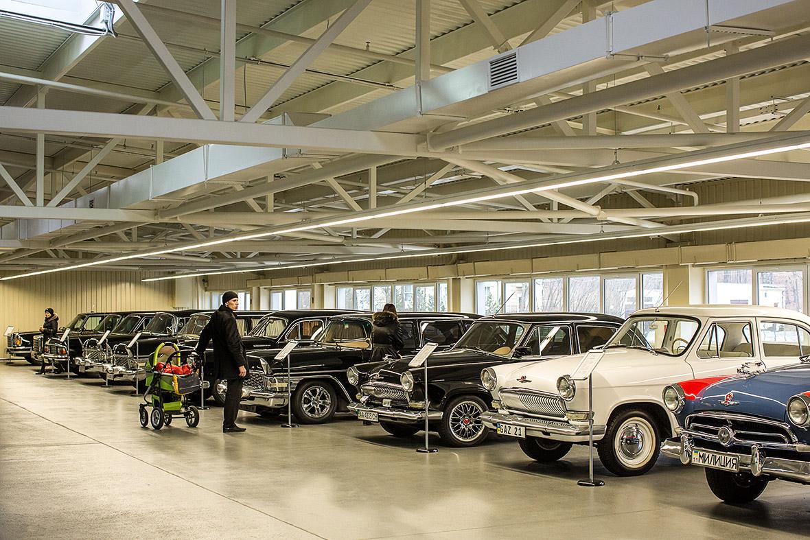 Фото | Коллекция автомобилей Януковича в Межигорье
