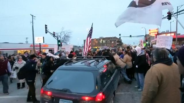 Video Captures Car Ploughing Through Ferguson Protest in Minnesota