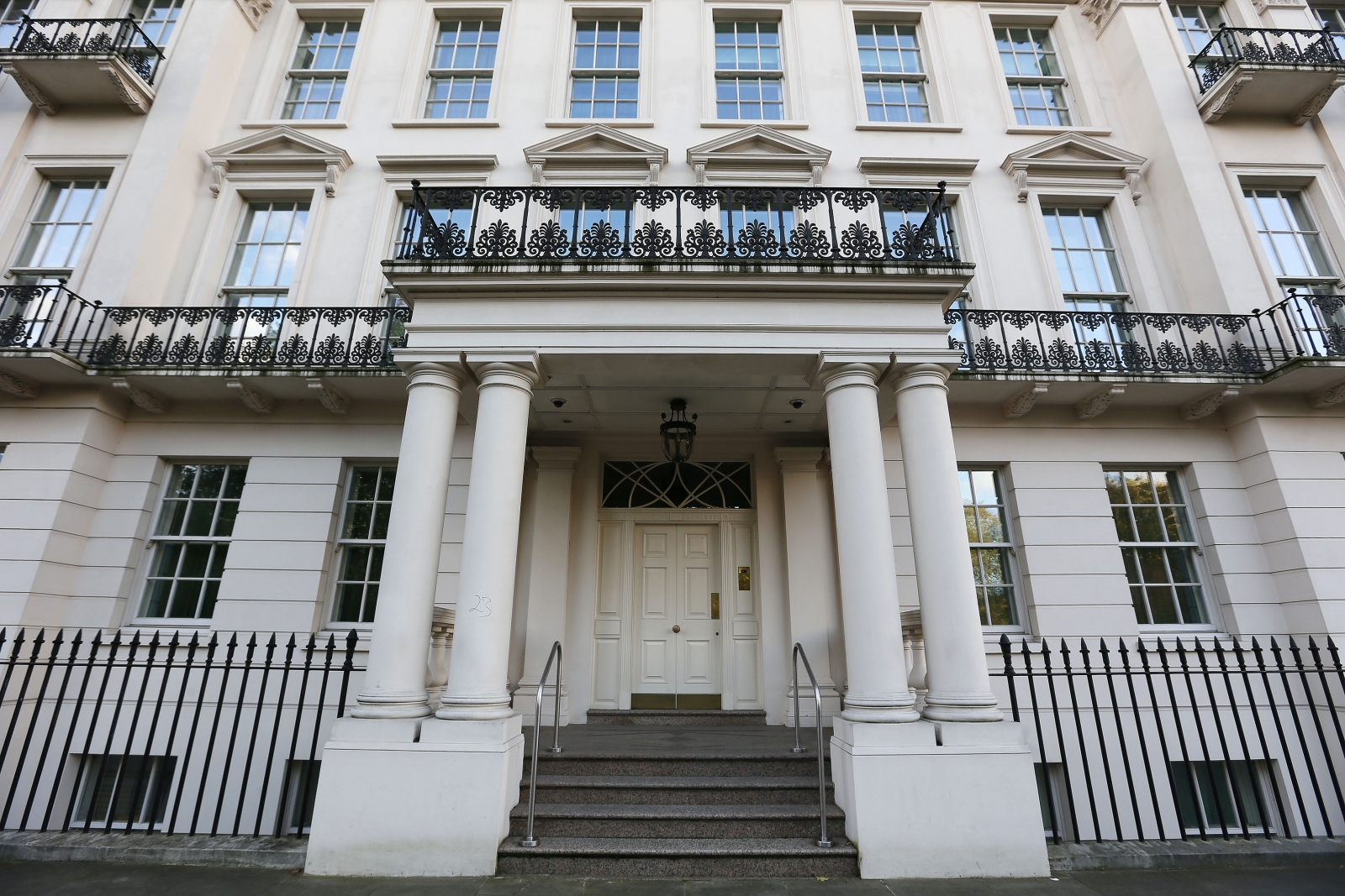 Uk house prices westminster becomes least desirable for Mansion house price