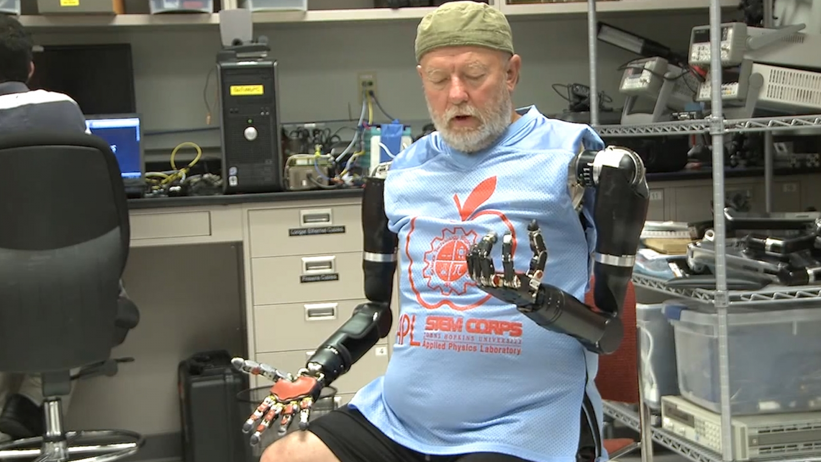 Double amputee controls two prosthetic arms with just his mind