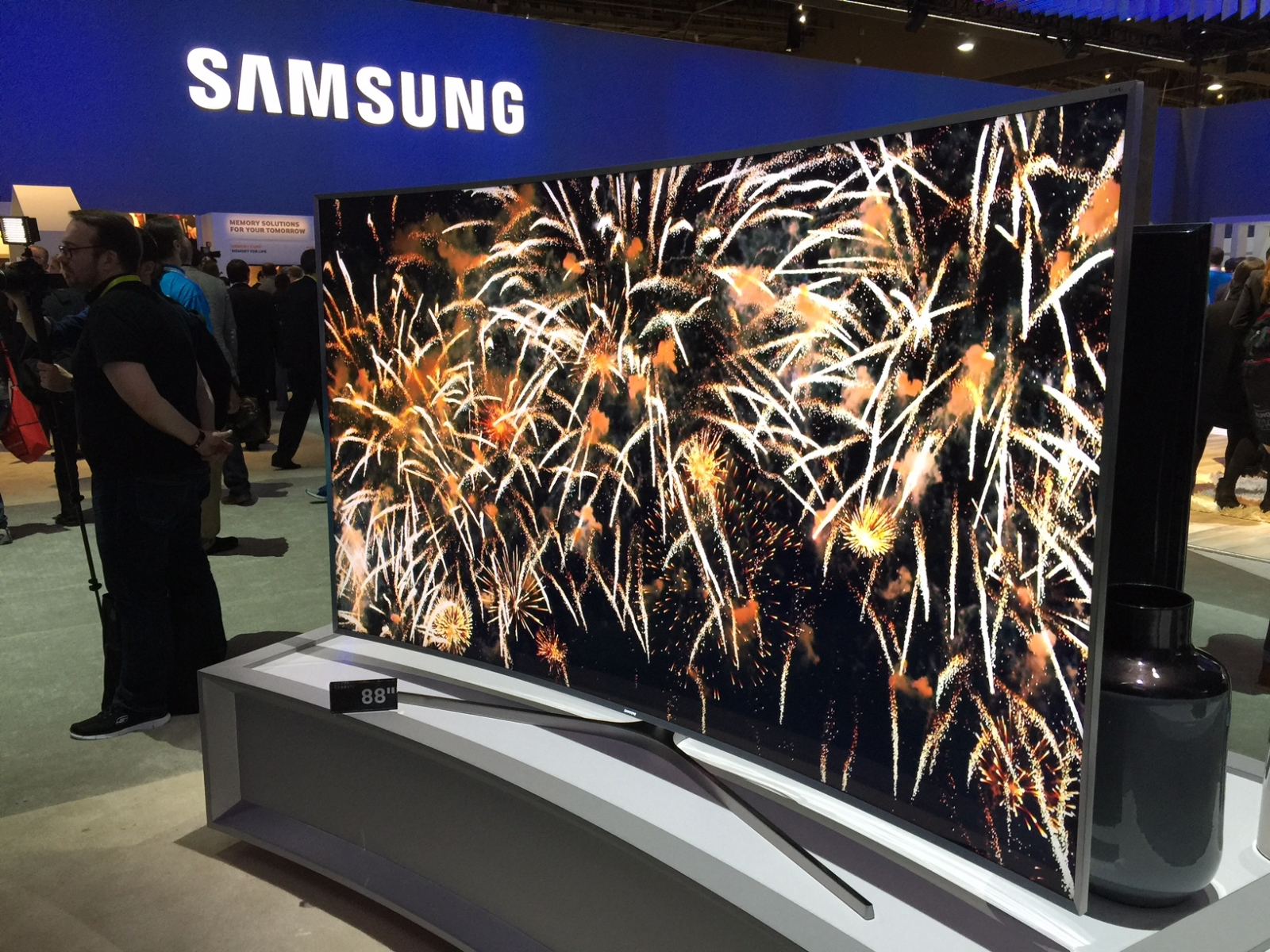 best 4k tvs at ces 2015 from samsung lg sony and more. Black Bedroom Furniture Sets. Home Design Ideas
