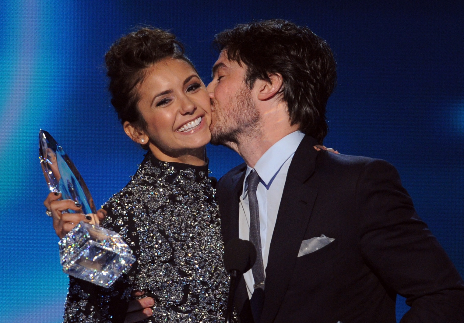 ian somerhalder and nina dobrev back together and dating 2014 Ian somerhalder and nikki reed pictured walking hand in hand speaking at the 2014 creative emmys, ian vampire diaries star nina dobrev reportedly dating.