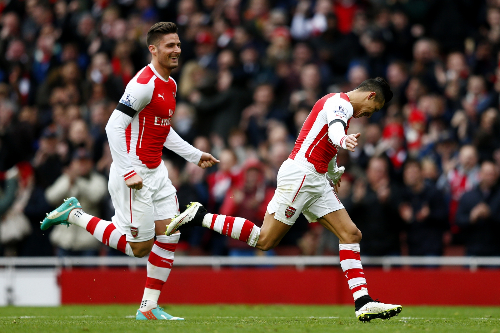 Premier League As It Happened: Arsenal 3-0 Stoke, Manchester United 0-1 Southampton