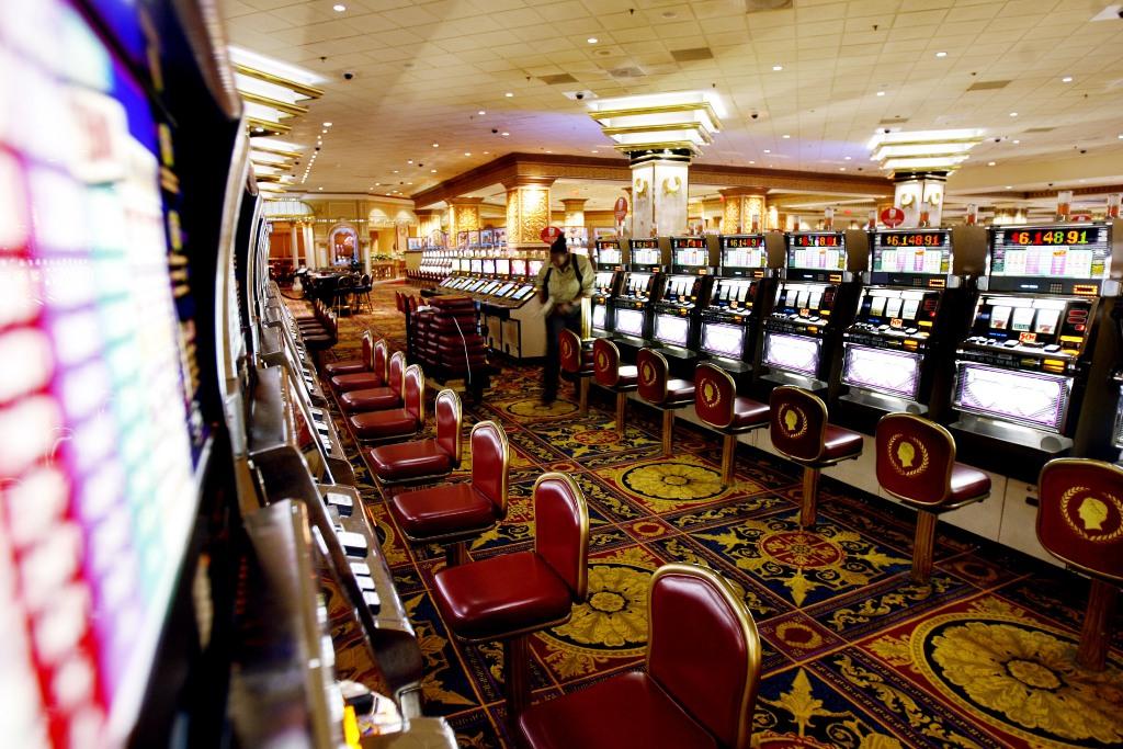 Caesars hotel and casino nj moon palace casino golf punta cana