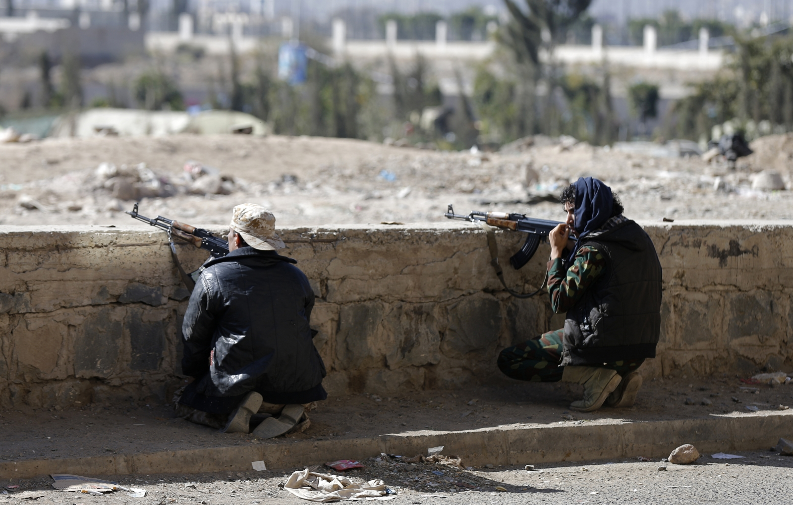 Yemen: President Hadi held 'captive' by Shiite Houthi rebels