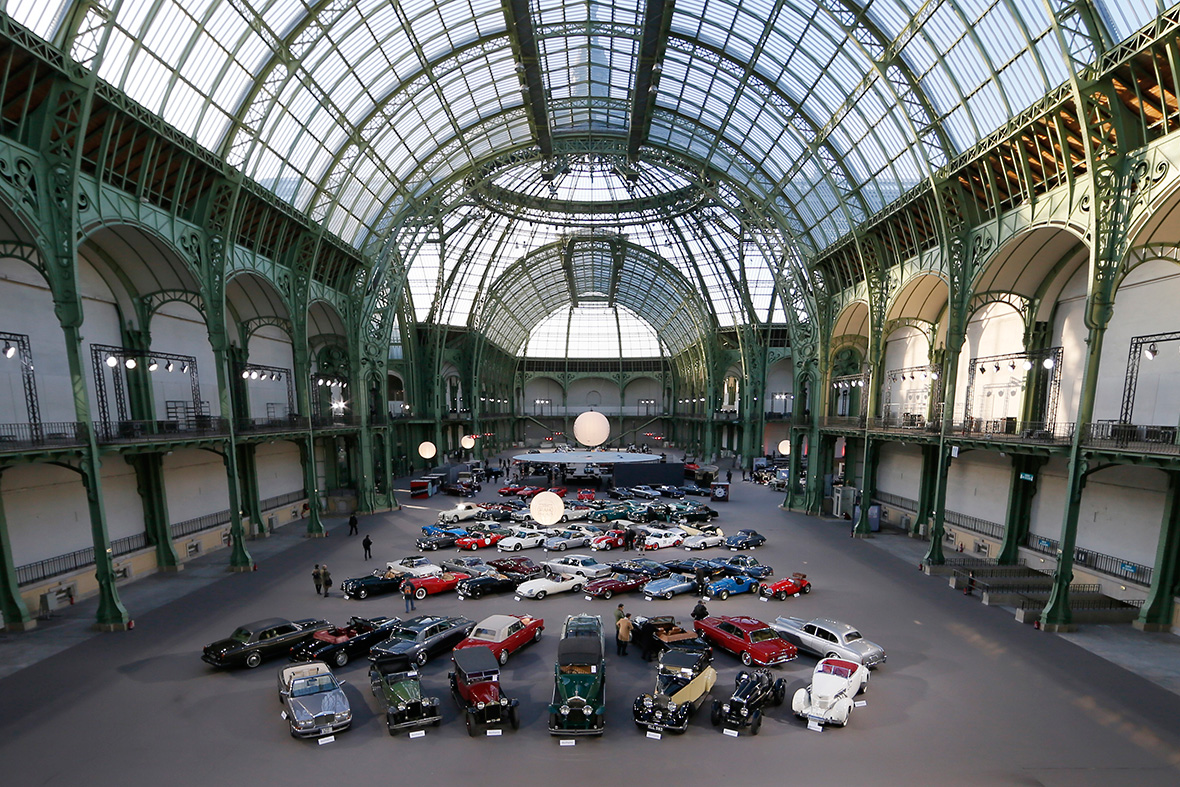 retromobile paris 2015 sensational collection of classic cars found in a barn goes up for auction. Black Bedroom Furniture Sets. Home Design Ideas
