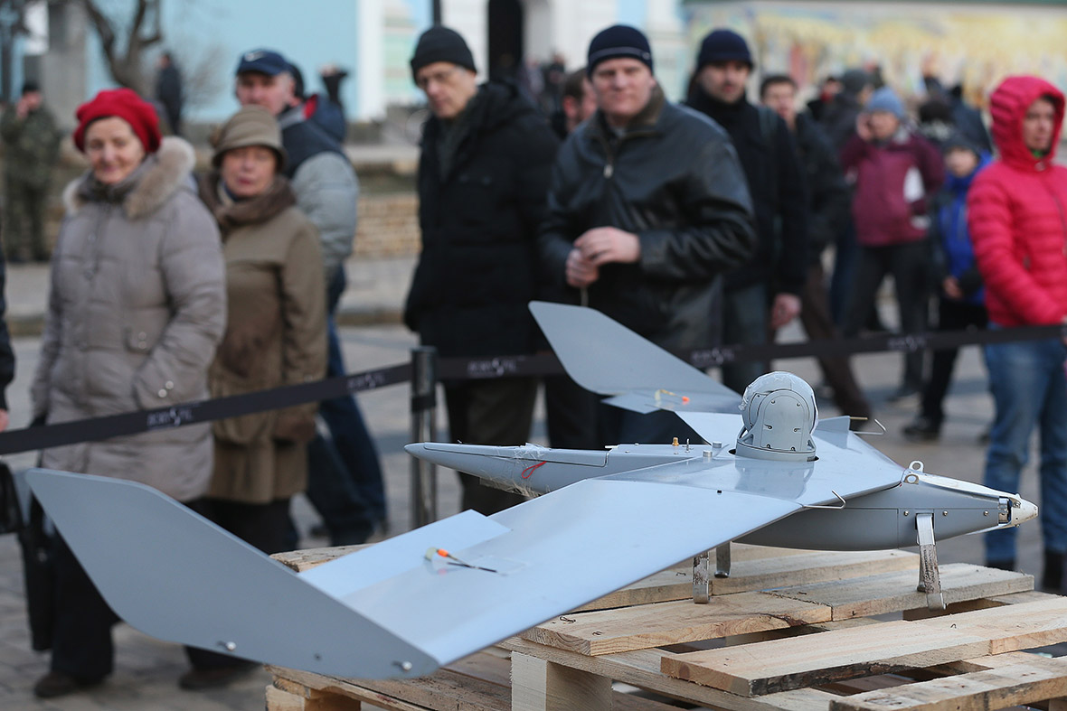 Ukraine shows off Russian weapons