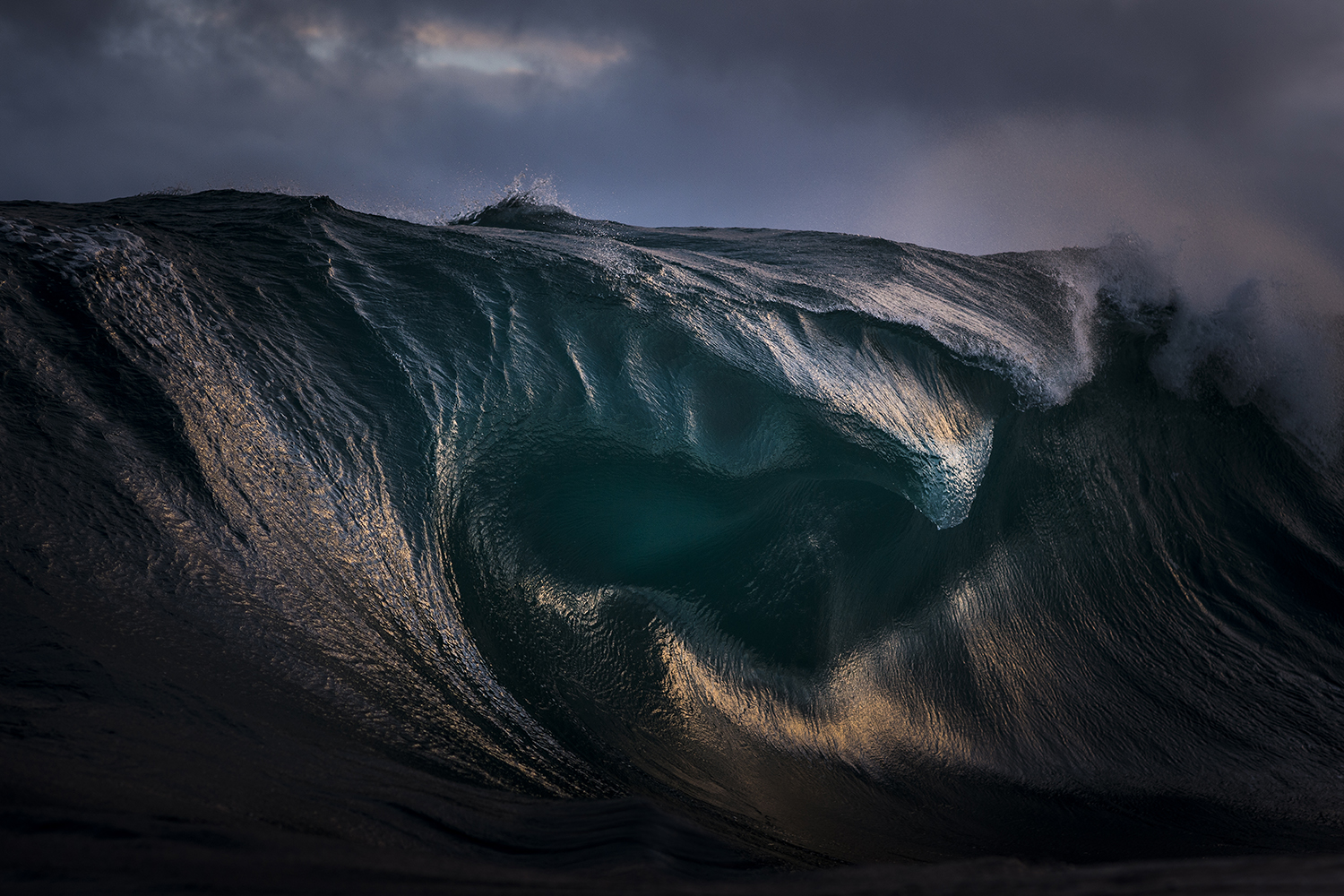 A breaking wave in New South Wales, Australia, by Ray Collins [1500x1000]