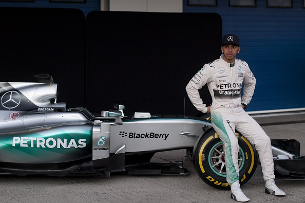 Lewis hamilton and mercedes for Mercedes benz f1 drivers