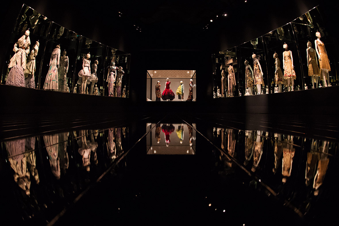 Alexander McQueen Savage Beauty exhibition at the V&A in ...