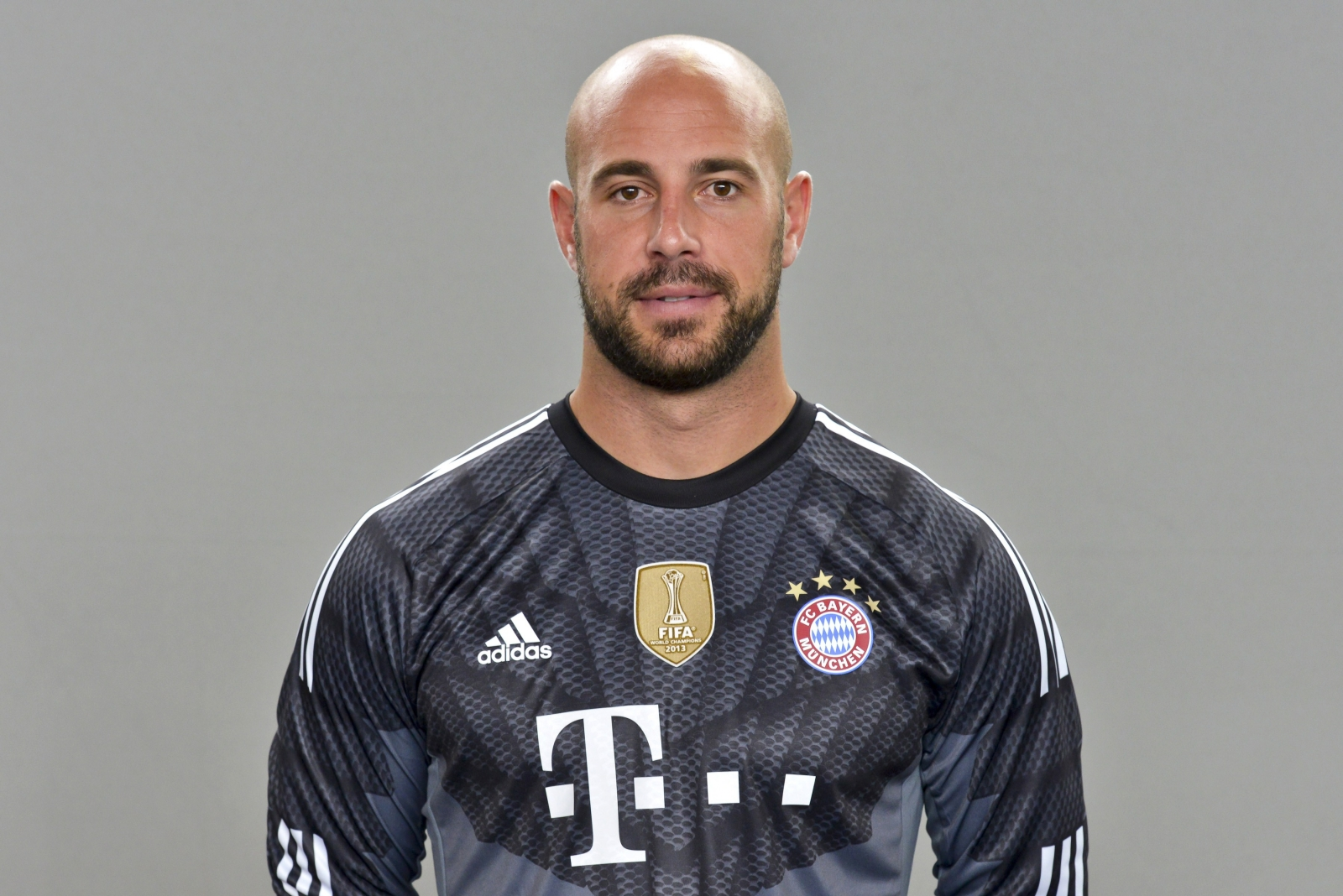 Pepe Reina claims move to 'major club' Bayern Munich preferable to ...