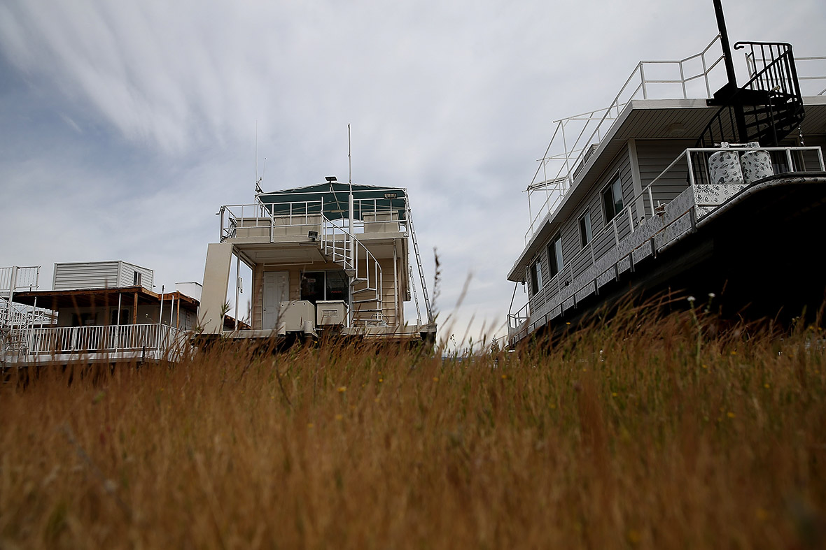 California drought governor jerry brown orders 25 water for Lake mcclure fishing report